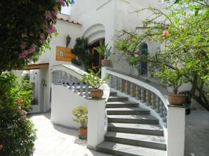 Prenota Hotel Villa Hermosa