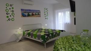 TópART Apartman and Home, Holiday homes  Balatonfenyves - big - 7