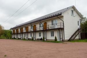 Гостиницы деревни Назия