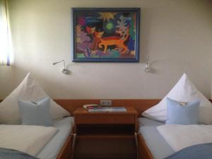 Landhaus Vogelweide - 2 Zimmer mit Balkon, Apartments  Bad Füssing - big - 2