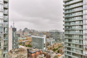 Luxury Sub-Penthouse in Downtown Toronto, Apartmány  Toronto - big - 3