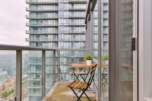Luxury Sub-Penthouse in Downtown Toronto, Apartmány  Toronto - big - 4