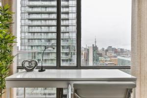 Luxury Sub-Penthouse in Downtown Toronto, Apartmány  Toronto - big - 6