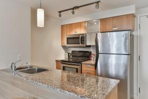 Luxury Sub-Penthouse in Downtown Toronto, Apartmány  Toronto - big - 14