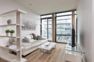 Luxury Sub-Penthouse in Downtown Toronto, Apartmány  Toronto - big - 17