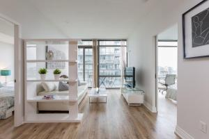 Luxury Sub-Penthouse in Downtown Toronto, Apartmány  Toronto - big - 18