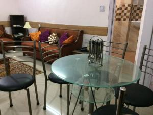 Red Cherry Service Apartment, Ferienwohnungen  Neu-Delhi - big - 7