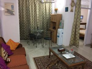 Red Cherry Service Apartment, Ferienwohnungen  Neu-Delhi - big - 1