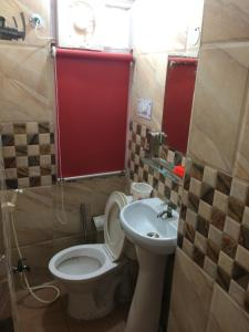 Red Cherry Service Apartment, Ferienwohnungen  Neu-Delhi - big - 5