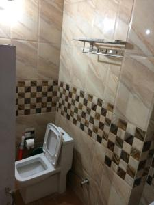 Red Cherry Service Apartment, Ferienwohnungen  Neu-Delhi - big - 6