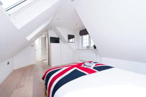 Burntwood Lane Apartment, Apartmanok  London - big - 6