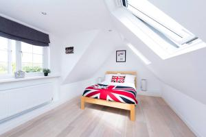 Burntwood Lane Apartment, Apartmanok  London - big - 2