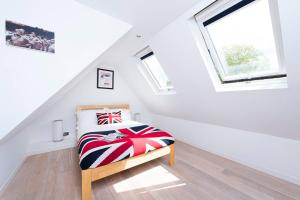 Burntwood Lane Apartment, Apartmanok  London - big - 7