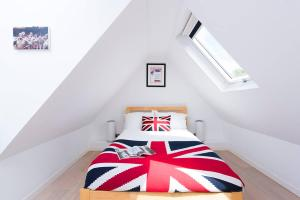 Burntwood Lane Apartment, Apartmanok  London - big - 1