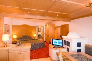 Alpen Hotel Corona, Hotely  Vigo di Fassa - big - 33
