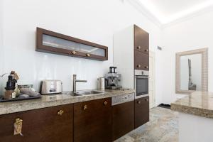 Light Rooms Apartment, Apartments  Kraków - big - 111