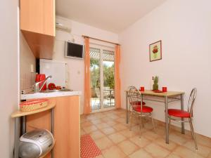 Apartment Elza, Apartmány  Trogir - big - 9