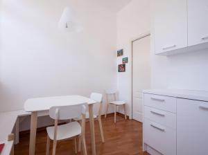 Triestevillas GHETTO AVANTGARDE 60, Ferienwohnungen  Triest - big - 8