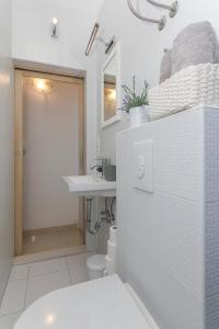 Apartments Garmaz, Ferienwohnungen  Podgora - big - 11
