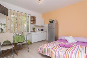 Apartments Garmaz, Ferienwohnungen  Podgora - big - 15