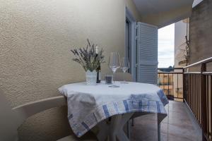 Apartments Garmaz, Ferienwohnungen  Podgora - big - 20