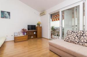 Apartments Garmaz, Ferienwohnungen  Podgora - big - 23