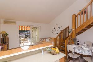 Apartments Garmaz, Ferienwohnungen  Podgora - big - 27