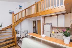 Apartments Garmaz, Ferienwohnungen  Podgora - big - 28