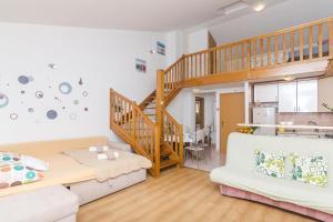 Apartments Garmaz, Ferienwohnungen  Podgora - big - 31