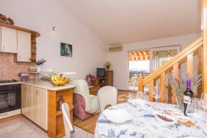 Apartments Garmaz, Ferienwohnungen  Podgora - big - 37