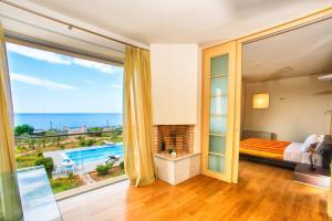 Cretan Beachfront Villas