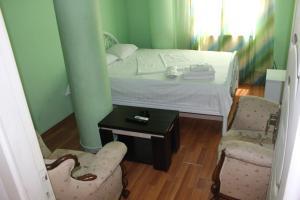 Hotel Plus, Hotels  Tbilisi City - big - 8