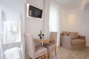 Villa Adriana Hotel, Apartmanhotelek  Ájosz Prokópiosz - big - 69