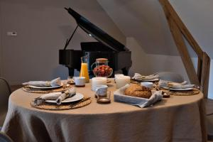 B&B Huize Momentum, Bed and Breakfasts  Zottegem - big - 36