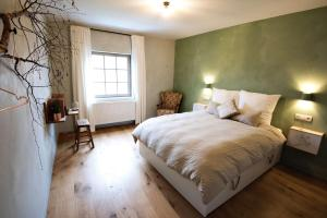 B&B Huize Momentum, Bed and Breakfasts  Zottegem - big - 7