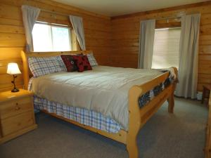 The Caribou ~ King Cal Bedroom