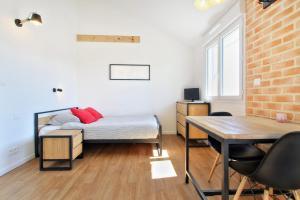 Les Gîtes d'Emilie, Apartmány  Melesse - big - 26