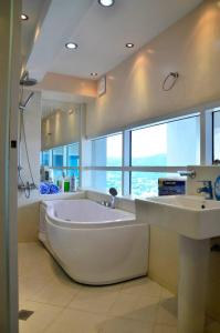 Luxurious Penthouse Unit in Cebu, Апартаменты  Себу - big - 30