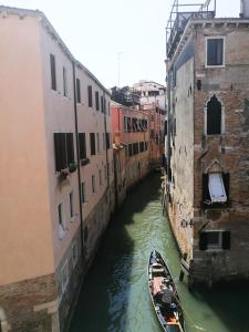 Three-Bedroom Apartment with Canal View - Separate Building