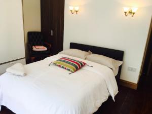 Azurine London Holiday Apartment
