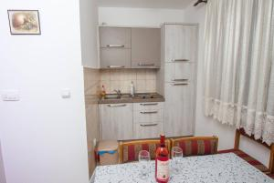 Apartments Jovanovic, Apartments  Kotor - big - 21