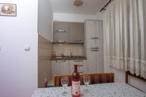 Apartments Jovanovic, Apartments  Kotor - big - 22