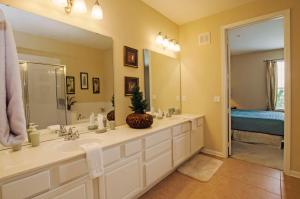 Vista Apartment Three Bedroom Apartment 3G6, Apartments  Orlando - big - 18