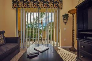 Vista Apartment Two Bedroom Apartment H7U, Apartments  Orlando - big - 10