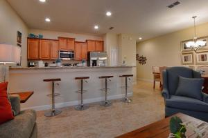 Paradise Palms Four Bedroom House 215, Dovolenkové domy  Kissimmee - big - 9