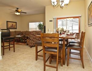 Paradise Palms Four Bedroom House 4095, Nyaralók  Kissimmee - big - 4