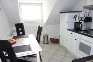 Tolstov-Hotels Old Town Apartment, Apartmanok  Düsseldorf - big - 24