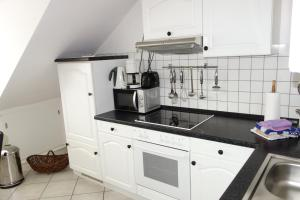 Tolstov-Hotels Old Town Apartment, Apartmanok  Düsseldorf - big - 23