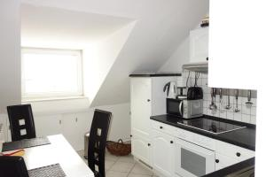 Tolstov-Hotels Old Town Apartment, Apartmanok  Düsseldorf - big - 7