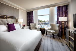 Executive King Room with Harbor View
